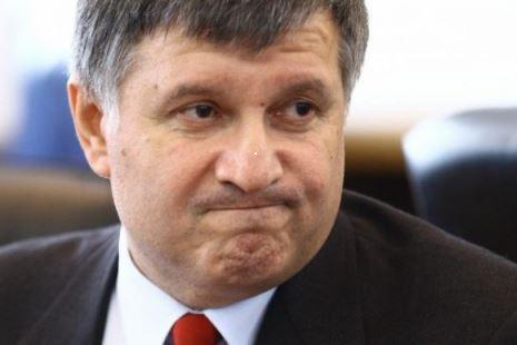 Авакову посоветовали запастись «памперсами» перед походом на Донбасс