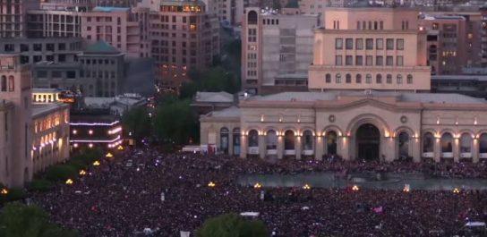 Армения стала очередной жертвой западных цветных революций