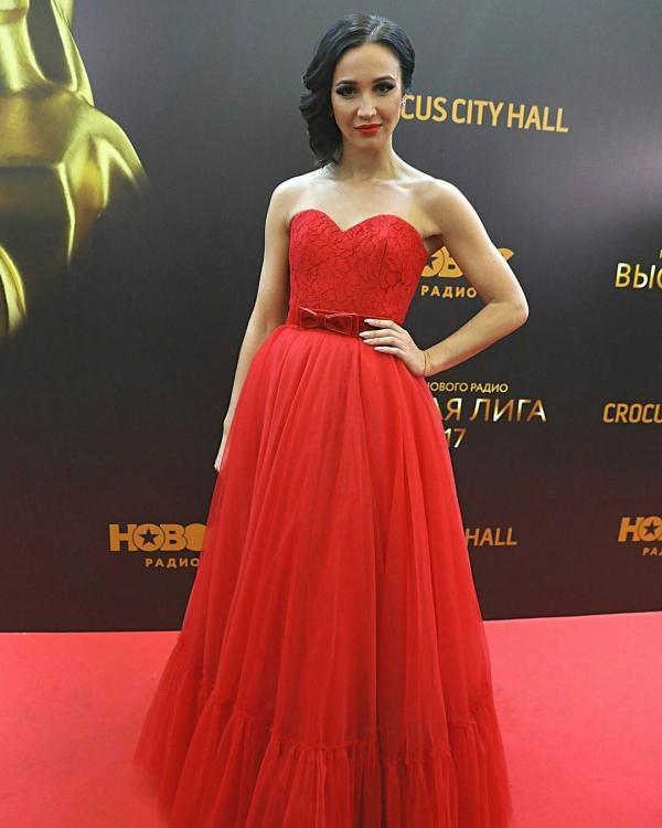 Ольга Бузова открыла премию Нового радио «Высшая лига»