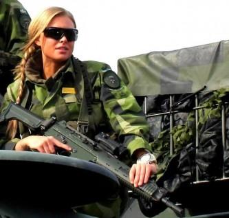 Шведская «Аврора-171» против российско-белорусского «Запада-2017»