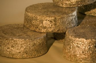 С начала нового года на Чукотке добыли почти 2 тонны золота