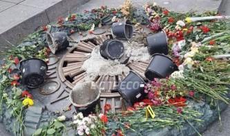 Соцсети осудили «штукатуров» Вечного огня в Киеве