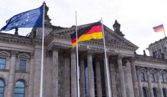 Украина в заложниках Бундестага: оппозиция Меркель грозит разоблачить игру Порошенко