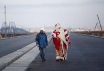 Дед Мороз проинспектировал строительство Керченского моста