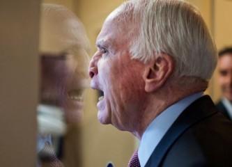 Маккейн: Путин опять обвел Трампа вокруг пальца