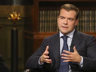 Медведев рассказал о пенсиях, о курсе рубля, о причинах бедности