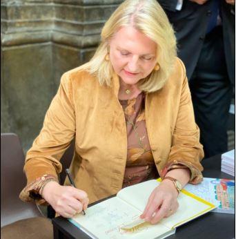 «Сочинский диалог» провел в Москве презентацию детский книги Карин Кнайсль «Принц Евгений»