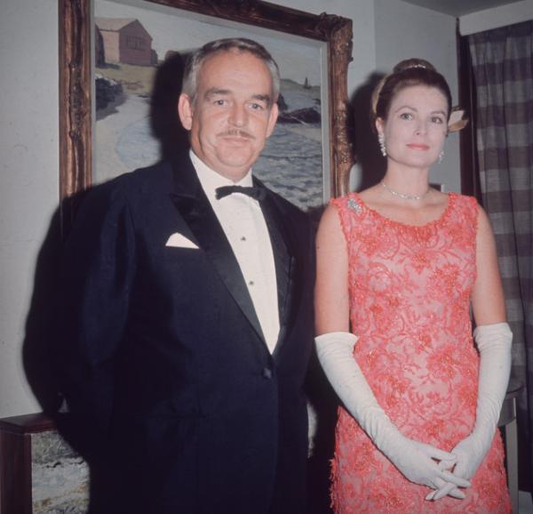 Звезды шоу-бизнеса, ставшие членами королевских семей