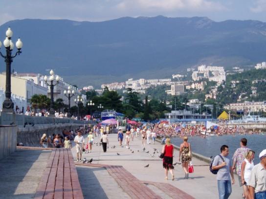 Санкции резко увеличили поток иностранцев в Крым