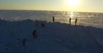 На границе России и Китая выросла гигантская ледяная стена