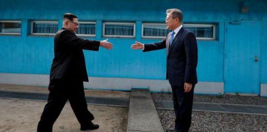 Глава Южной Кореи хочет присоединиться к переговорам лидеров США и КНДР