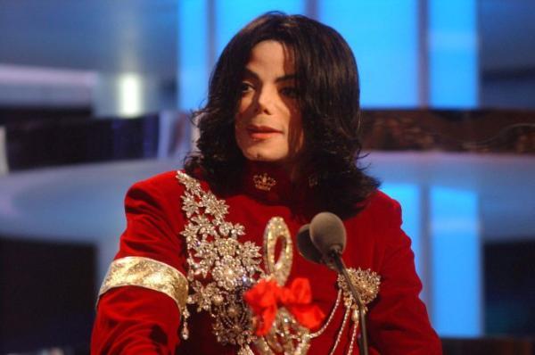 Майкл Джексон возглавил список «Мертвых знаменитостей» Forbes