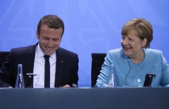 Макрон и Меркель планируют создать «Соединенные Штаты Европы»
