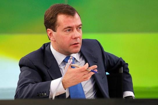 После утверждения премьером, Медведев сделал несколько важных заявлений