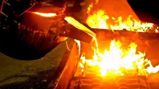 Американские металлургические магнаты просят Трампа ограничить импорт стали в США