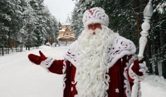 Латыши испугались Деда Мороза, гуляющего по улицам Риги