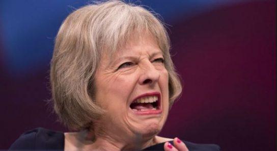 Королева Британии не пригласила Терезу Мэй на свадьбу принца Гарри