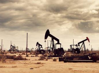 США пытаются захватить нефтеносные районы Сирии руками курдов