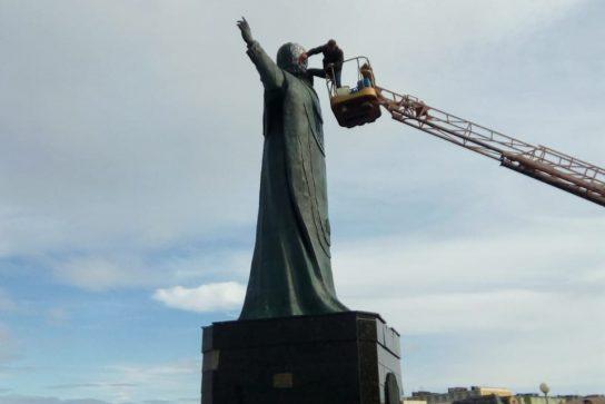 Памятники Анадыря отмыли от грязи