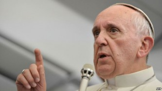 Папа Римский решил вернуть обезумевшую Европу в лоно христианства