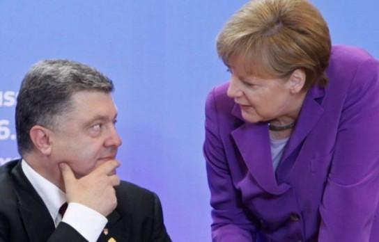 Меркель пообещала обсудить с Порошенко действия Киева в отношении российских журналистов