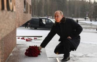 Путин возложил цветы к мемориалу «Рубежный камень»