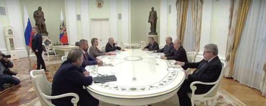 Владимир Путин провел встречу с другими кандидатами на пост президента