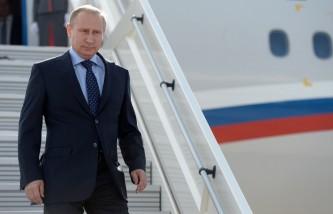 Самолет Путина приземлился на авиабазе Хмеймим в Сирии