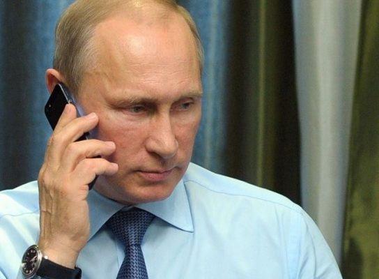 Путин признался, что не пользуется смартфоном