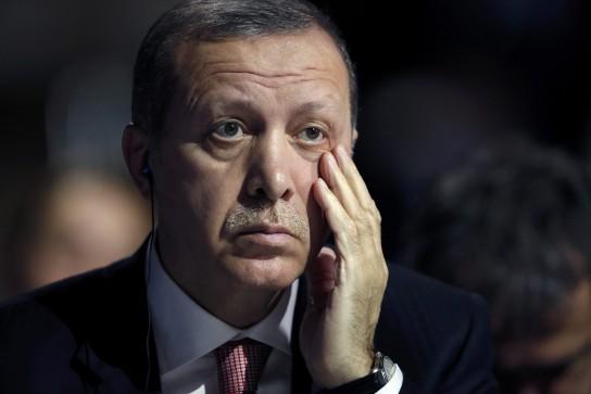 В сирийском конфликте Эрдоган ведет себя по принципу «и нашим, и вашим»