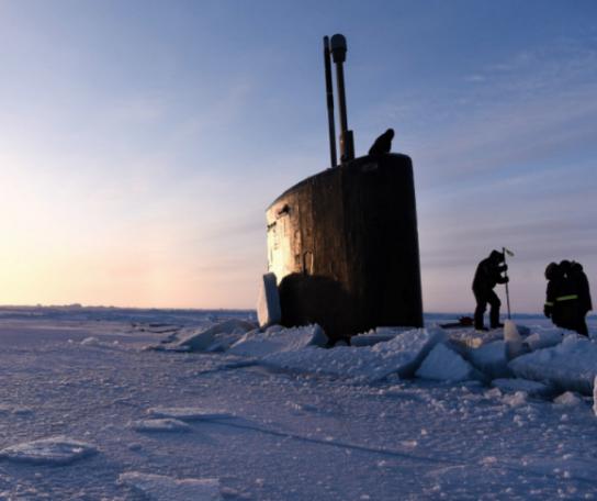 Подлодки США застряли во льдах Арктики при попытке нанести удар по России