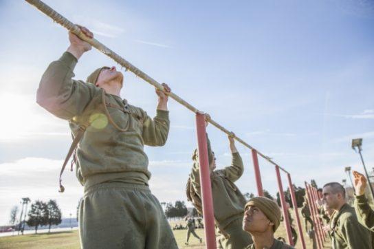Состояние здоровья не позволяет американцам служить в армии