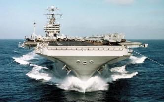 Азиатский вояж Трампа прикрывают пять авианосцев ВМФ США