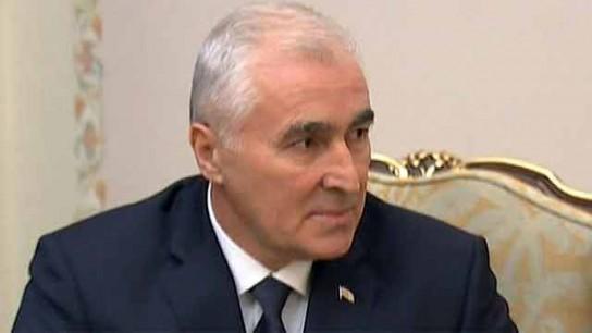 Леонид Тибилов поздравил Владимира Путина с переизбранием на пост президента России