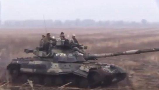 Россия отправляет в Арктику обновленные танки Т-80