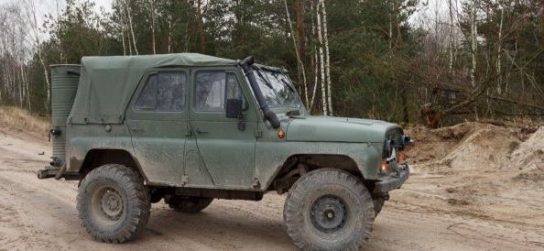 Житель Белоруссии научил  УАЗ ездить на дровах