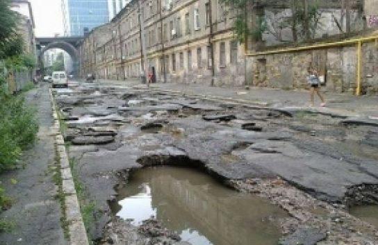 Названы две главные проблемы Украины: Дураки и дороги