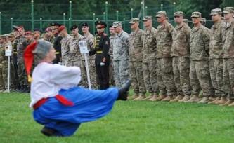 Российские пранкеры выяснили, почему Украину не принимают в НАТО