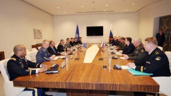 Герасимов и Скапаротти договорились о сотрудничестве между Россией и НАТО