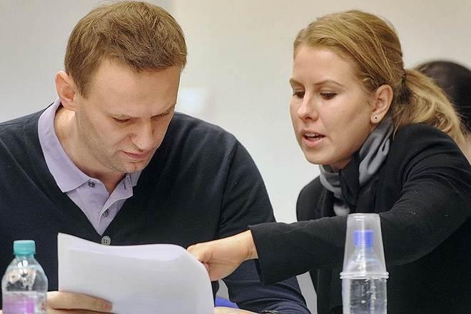 Навальный и Соболь продолжают травить пищевые комбинаты
