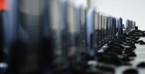 17 спецслужб США взяли под контроль Microsoft