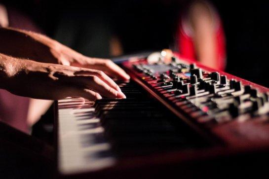 Музыка в казино - как подбирается и на что влияет