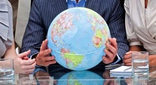 Франция выпустила глобус с российским Крымом