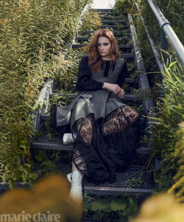 Софи Тернер в стильной фотосессии для Marie Claire