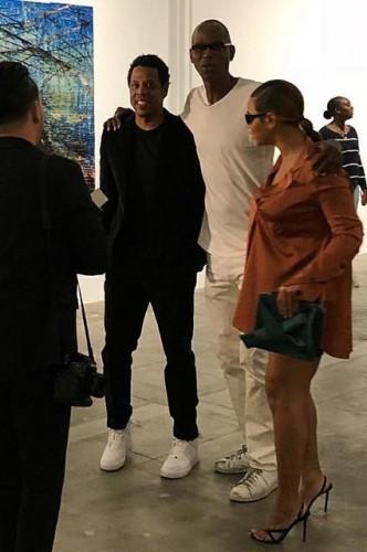 Бейонсе и Джей-Зи посетили выставку современного искусства художника Марка Брэдфорда