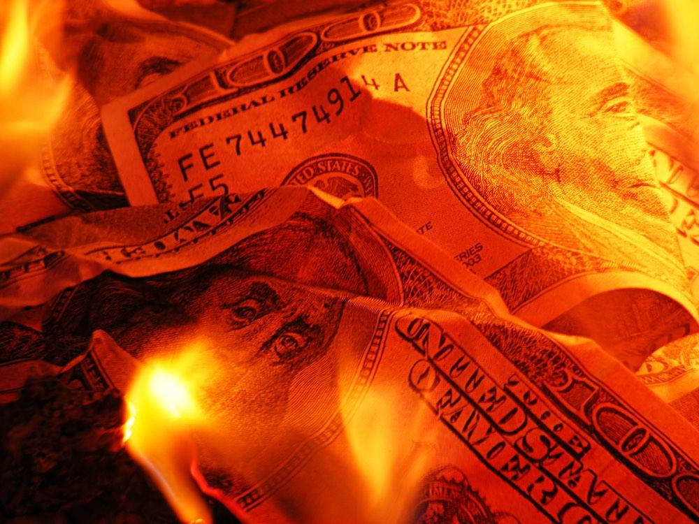 Весь мир старается избавиться от доллара США