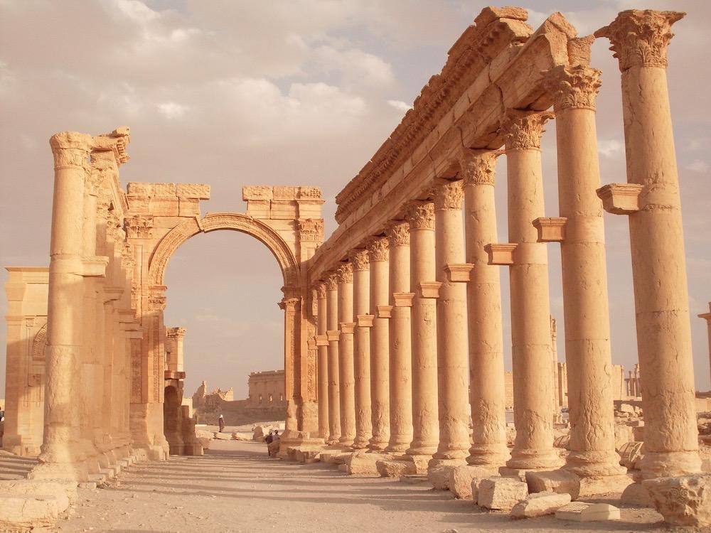 Гуманитарные коридоры «дорога жизни» в Сирии работают