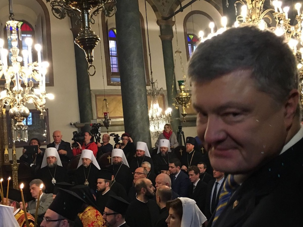 «Правый сектор» приступил к принудительному переходу верующих под протекторат новой украинской церкви