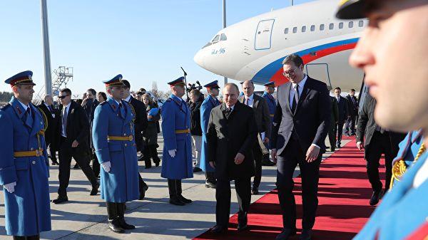 Путин прокатил Вучича на своем лимузине «AURUS»