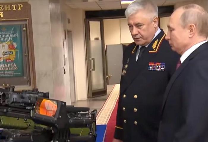 Путину представили дальнобойную снайперскую винтовку «Возмездие»